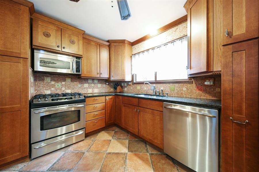 Real Estate Photography - 2310 Birchwood Parkway, Woodridge, IL, 60517 - Kitchen