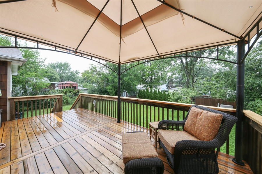 Real Estate Photography - 2310 Birchwood Parkway, Woodridge, IL, 60517 - Deck