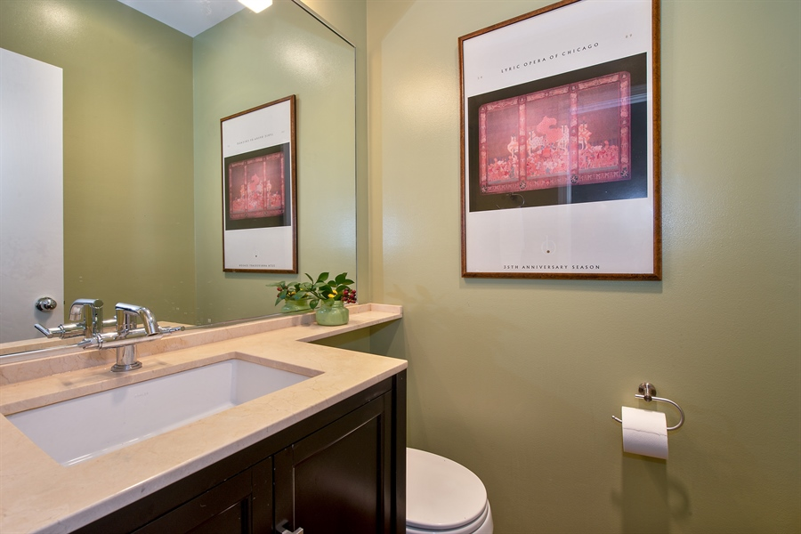 Real Estate Photography - 1853 N. HUDSON Avenue, Chicago, IL, 60614 - 3rd Bathroom