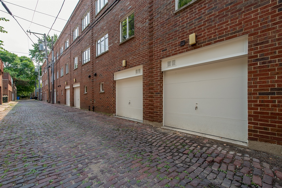 Real Estate Photography - 1853 N. HUDSON Avenue, Chicago, IL, 60614 - Garage