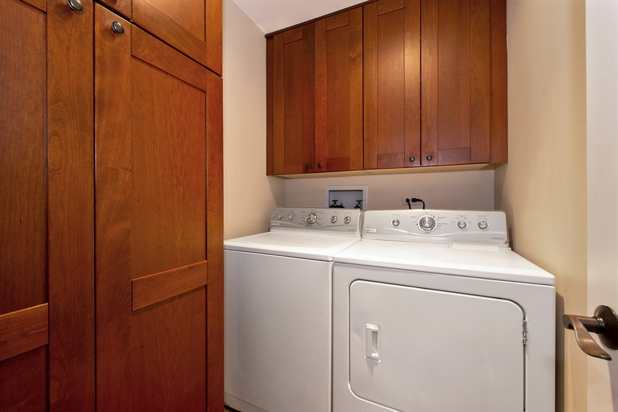 Real Estate Photography - 1853 N. HUDSON Avenue, Chicago, IL, 60614 - Laundry Room