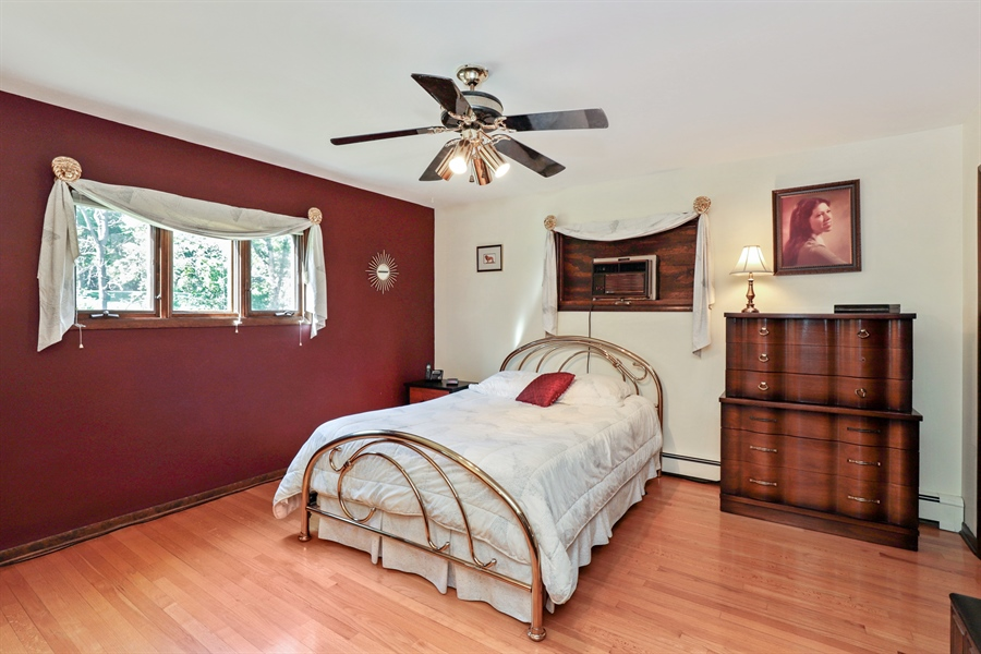 Real Estate Photography - 24450 CHEROKEE Trail, Grayslake, IL, 60030 - Master Bedroom