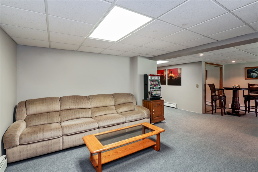 Real Estate Photography - 24450 CHEROKEE Trail, Grayslake, IL, 60030 - Family Room
