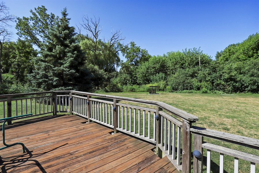 Real Estate Photography - 24450 CHEROKEE Trail, Grayslake, IL, 60030 - Deck