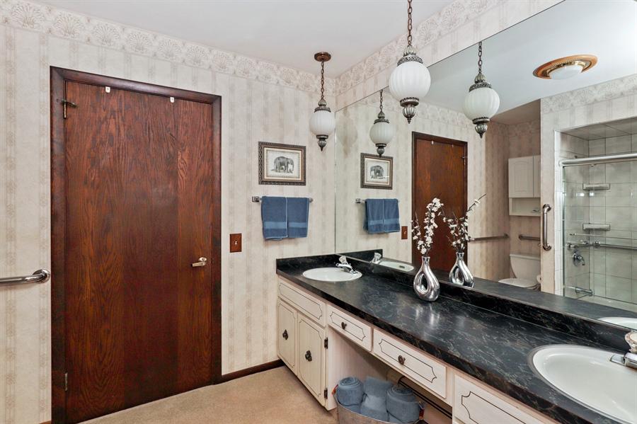 Real Estate Photography - 24450 CHEROKEE Trail, Grayslake, IL, 60030 - Bathroom