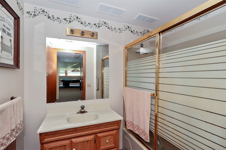 Real Estate Photography - 24450 CHEROKEE Trail, Grayslake, IL, 60030 - 2nd Bathroom