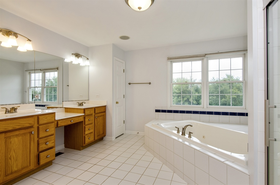 Real Estate Photography - 7105 Cupola Court, Cary, IL, 60013 - Master Bathroom