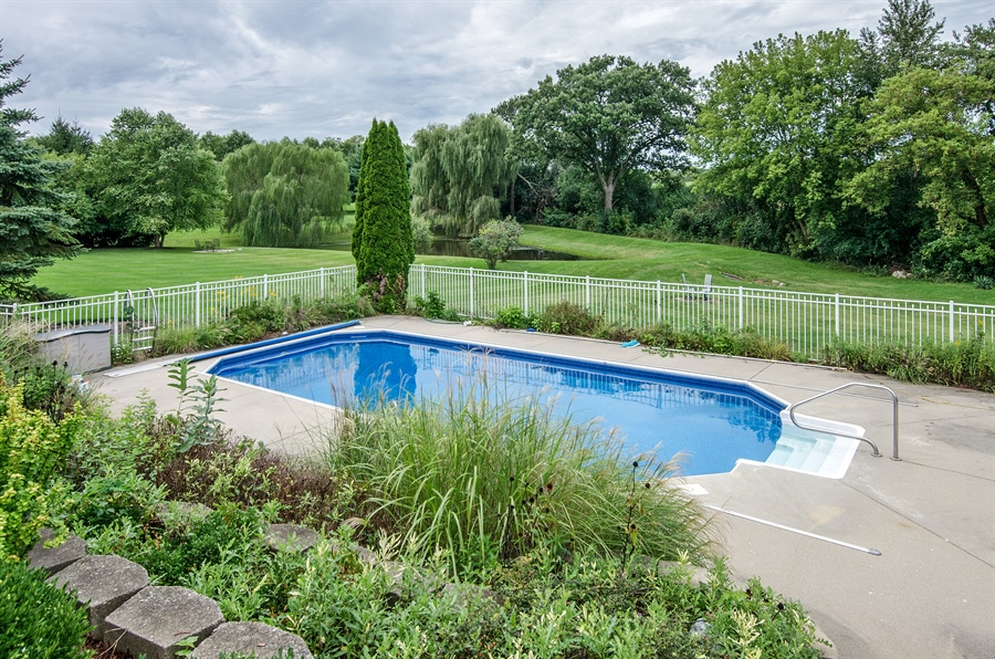 Real Estate Photography - 7105 Cupola Court, Cary, IL, 60013 - Pool