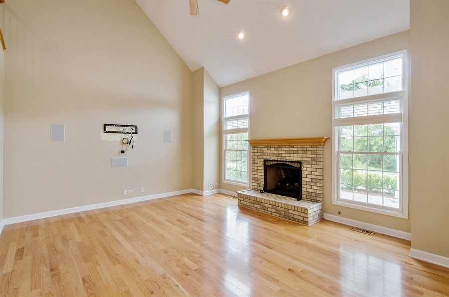 Real Estate Photography - 7105 Cupola Court, Cary, IL, 60013 - Family Room