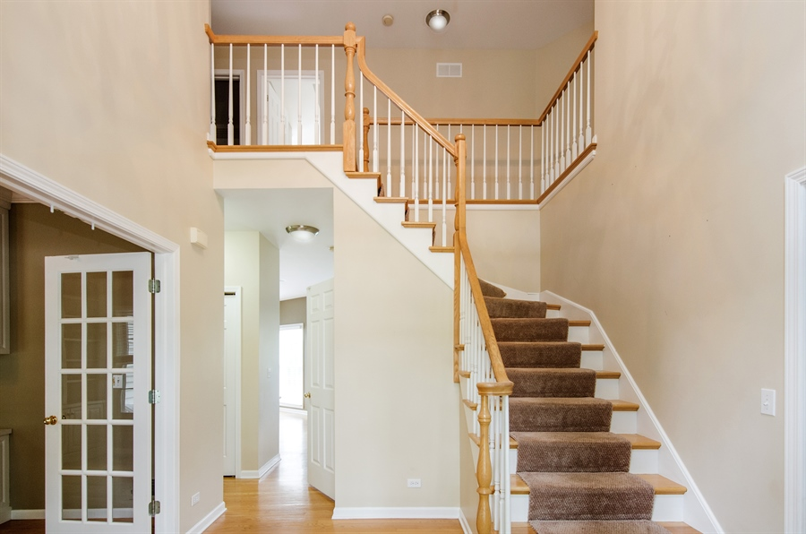 Real Estate Photography - 7105 Cupola Court, Cary, IL, 60013 - Foyer