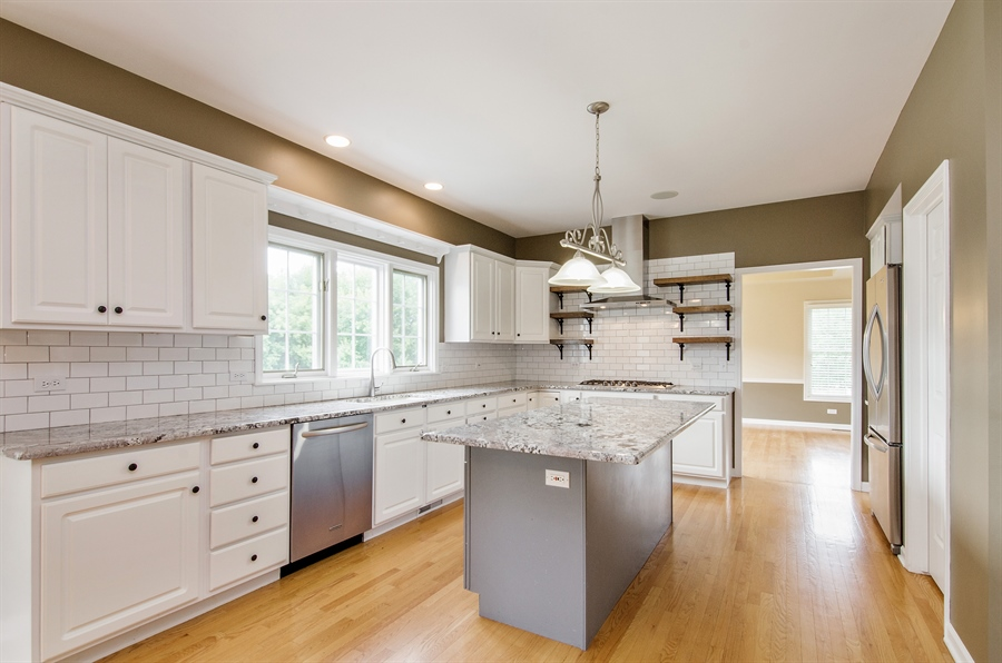 Real Estate Photography - 7105 Cupola Court, Cary, IL, 60013 - Kitchen