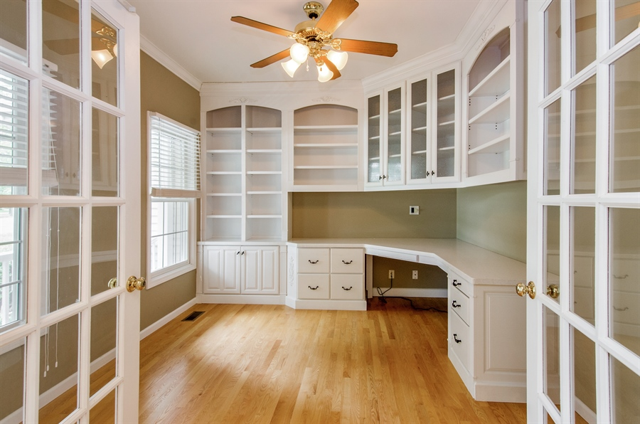 Real Estate Photography - 7105 Cupola Court, Cary, IL, 60013 - Office