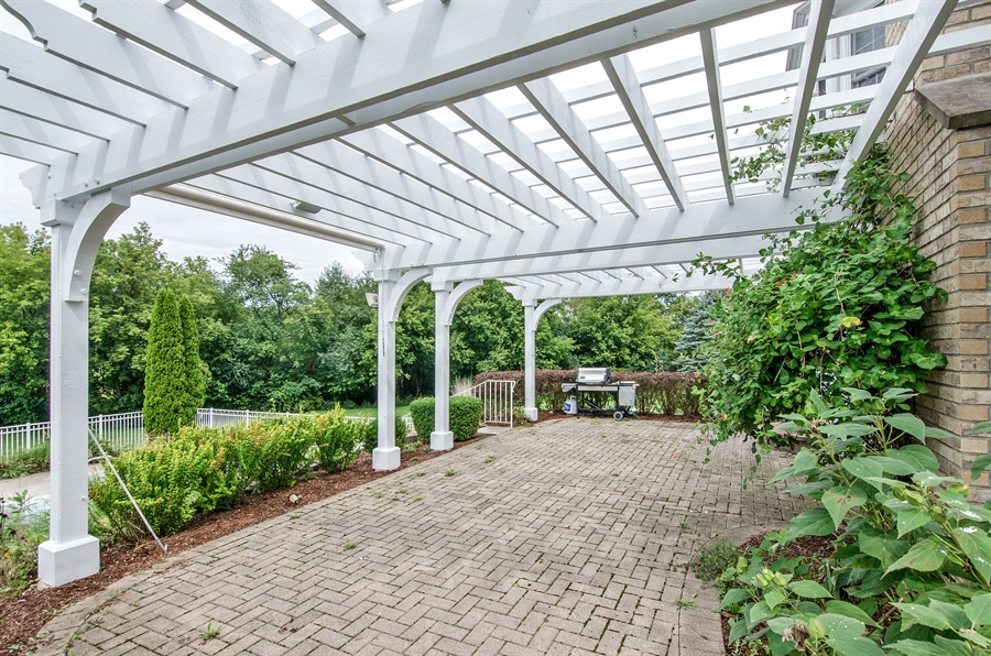 Real Estate Photography - 7105 Cupola Court, Cary, IL, 60013 - Patio