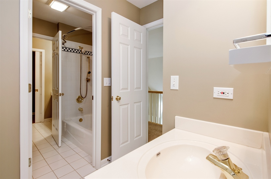 Real Estate Photography - 7105 Cupola Court, Cary, IL, 60013 - 2nd Bathroom