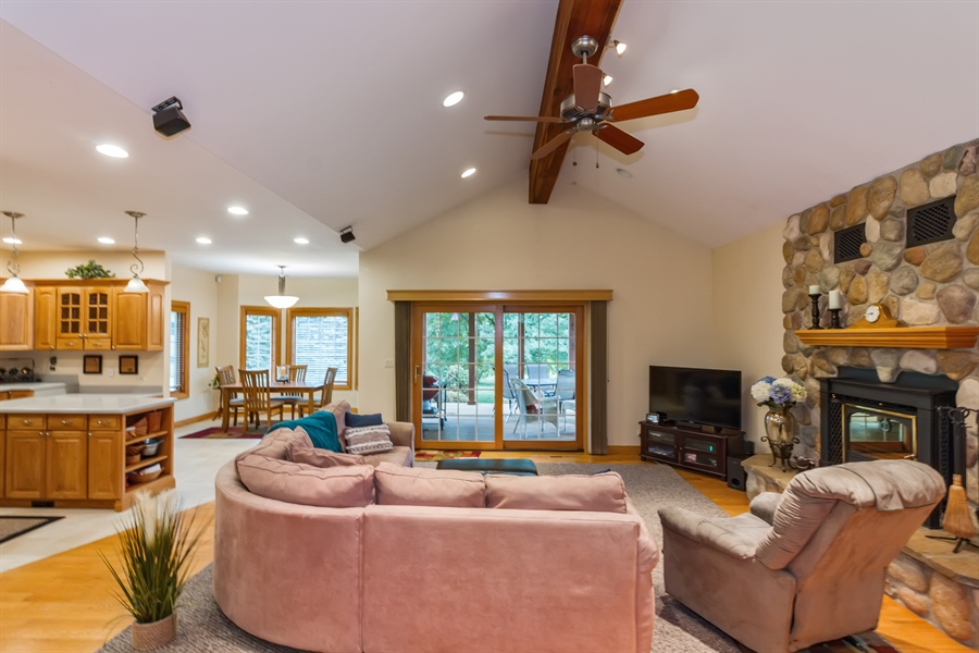 Real Estate Photography - 2410 Timberline Trail, Woodstock, IL, 60098 - Living Room