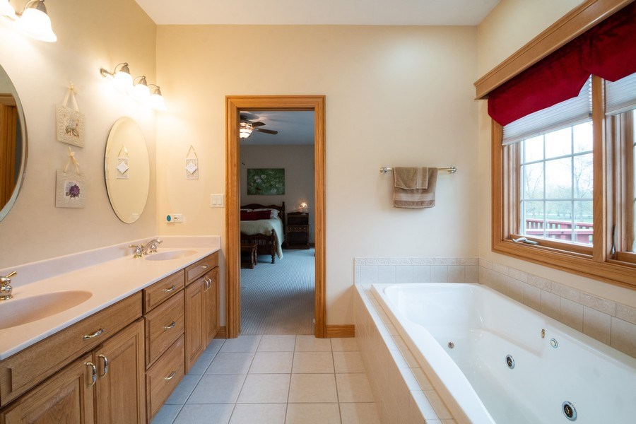 Real Estate Photography - 2410 Timberline Trail, Woodstock, IL, 60098 - Master Bathroom