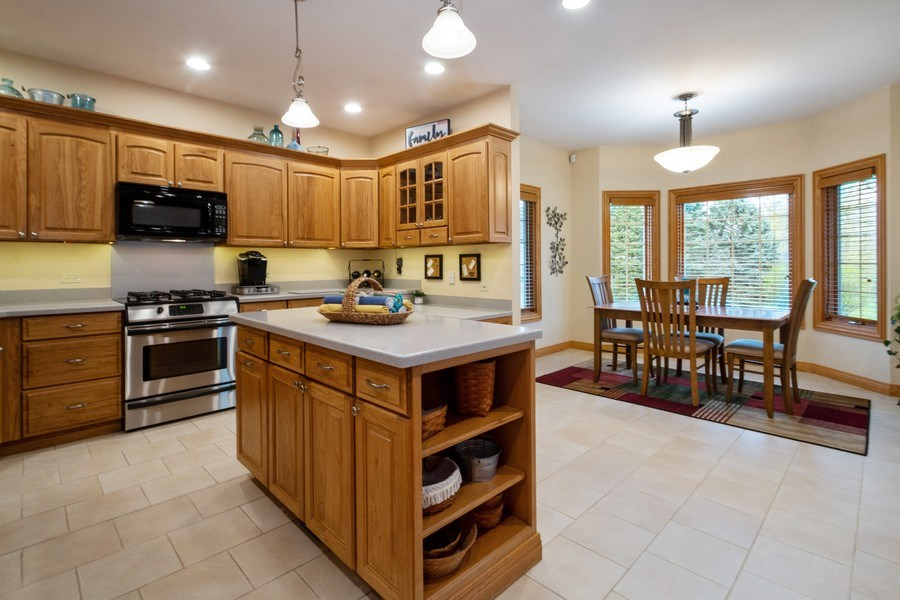 Real Estate Photography - 2410 Timberline Trail, Woodstock, IL, 60098 - Kitchen