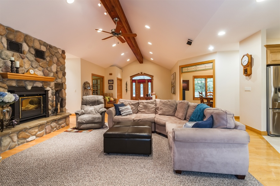 Real Estate Photography - 2410 Timberline Trail, Woodstock, IL, 60098 - Great Room