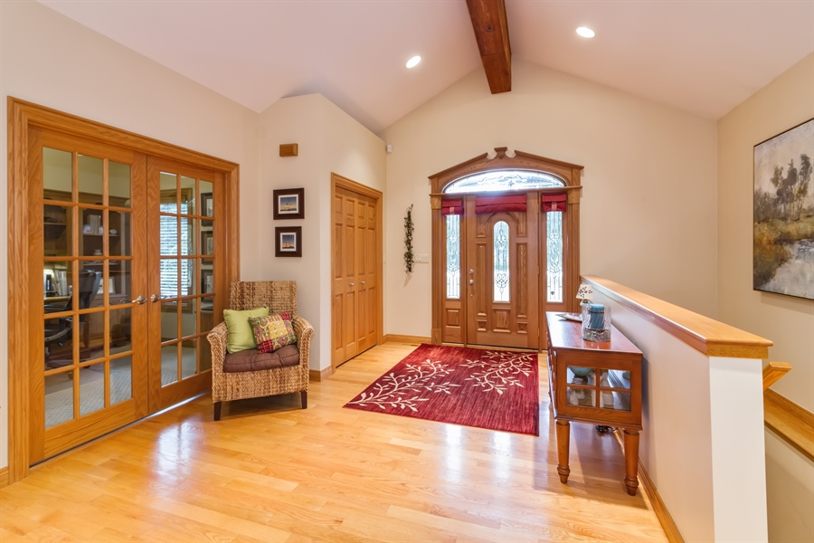 Real Estate Photography - 2410 Timberline Trail, Woodstock, IL, 60098 - Foyer