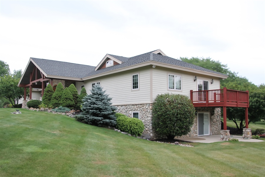 Real Estate Photography - 2410 Timberline Trail, Woodstock, IL, 60098 - Front View