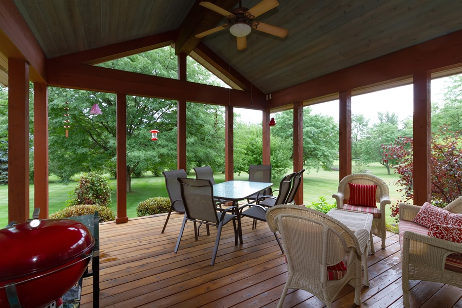 Real Estate Photography - 2410 Timberline Trail, Woodstock, IL, 60098 - Sun Room