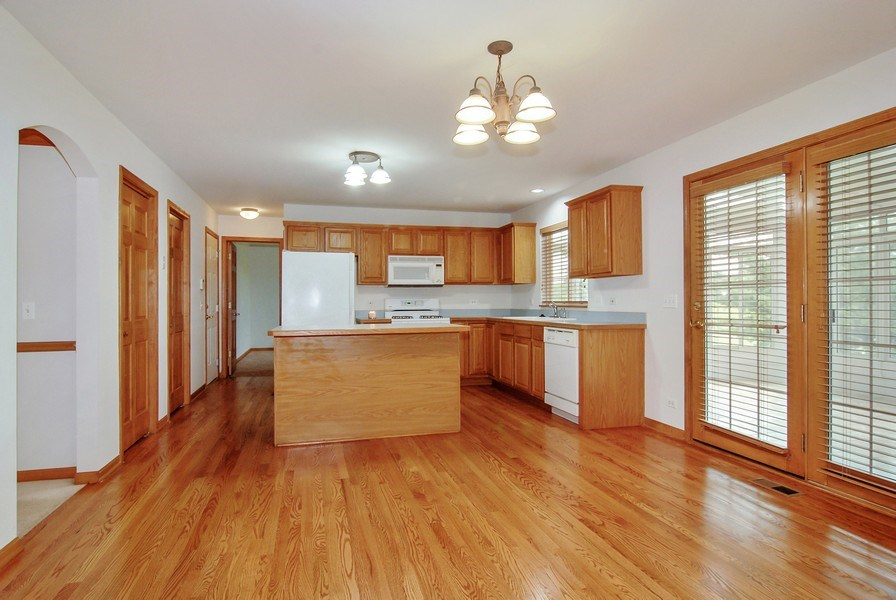 Real Estate Photography - 2534 Brookstone Court, Aurora, IL, 60502 - Kitchen / Breakfast Room