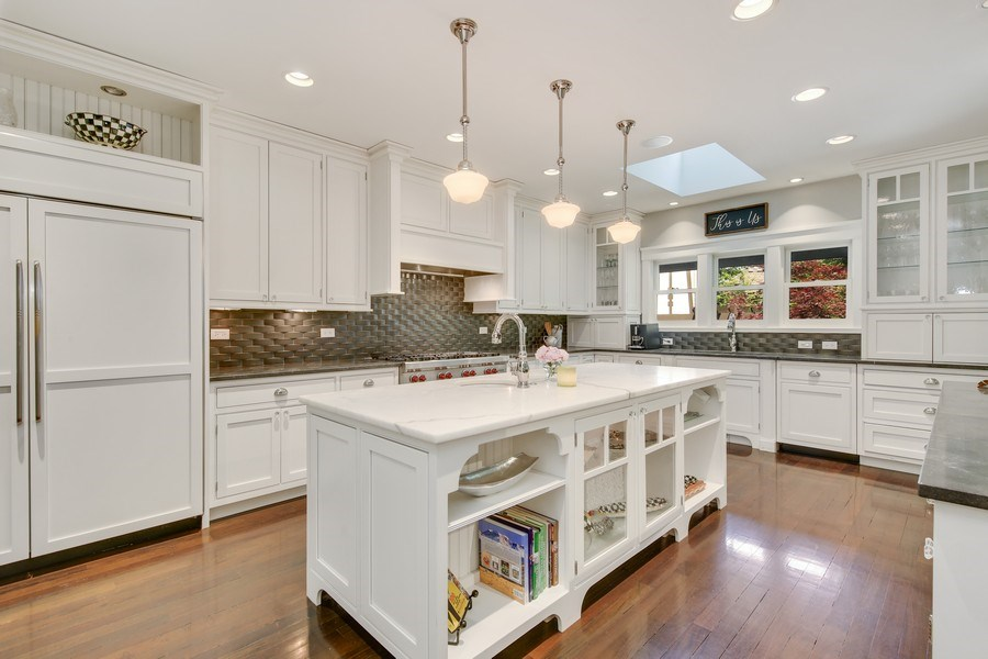 Real Estate Photography - 682 Crescent Blvd, Glen Ellyn, IL, 60137 - Kitchen