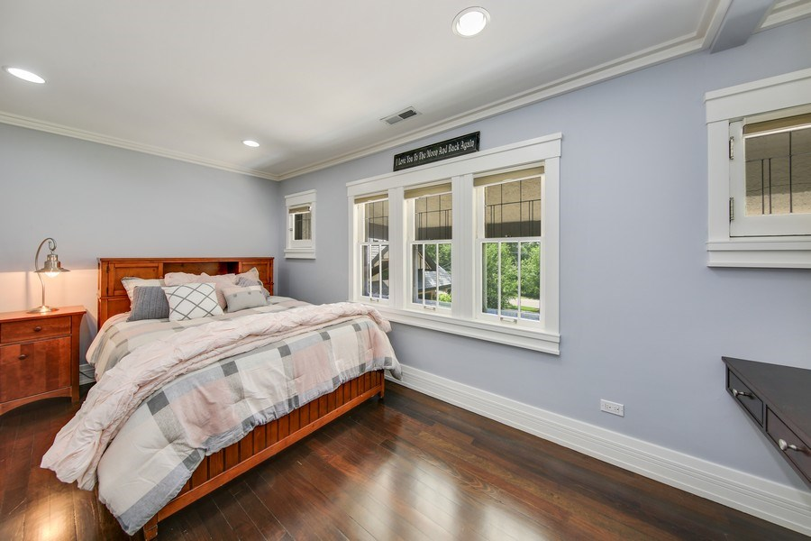 Real Estate Photography - 682 Crescent Blvd, Glen Ellyn, IL, 60137 - Bedroom 2