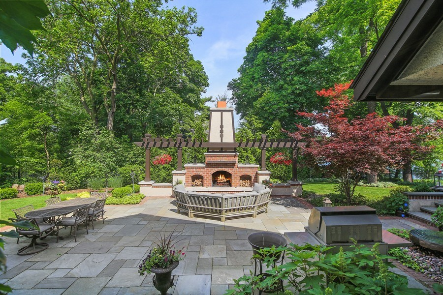 Real Estate Photography - 682 Crescent Blvd, Glen Ellyn, IL, 60137 - Patio