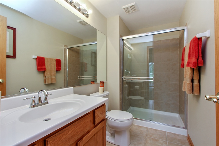 Real Estate Photography - 1034 Orchard Pond Ct, Lake Zurich, IL, 60047 - 3rd Bathroom
