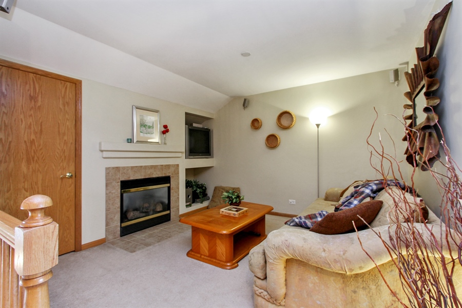 Real Estate Photography - 1034 Orchard Pond Ct, Lake Zurich, IL, 60047 - Loft