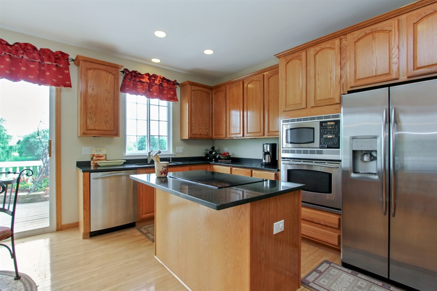 Real Estate Photography - 1034 Orchard Pond Ct, Lake Zurich, IL, 60047 - Kitchen