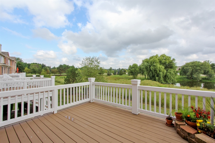 Real Estate Photography - 1034 Orchard Pond Ct, Lake Zurich, IL, 60047 - Deck