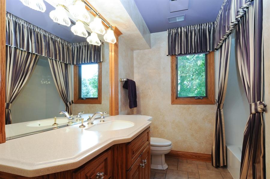 Real Estate Photography - 12461 BRIGHTON Lane, Plainfield, IL, 60585 - 2nd Bathroom