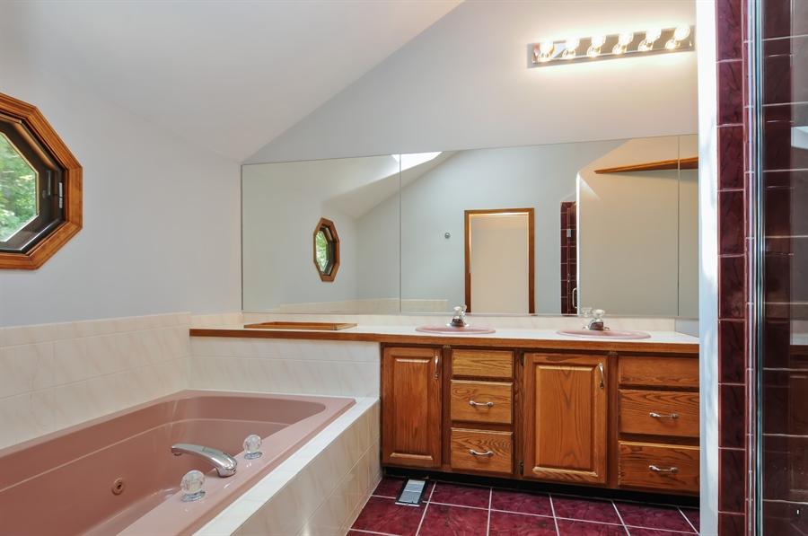 Real Estate Photography - 805 Bonnie Brae Court, Bolingbrook, IL, 60440 - Master Bathroom