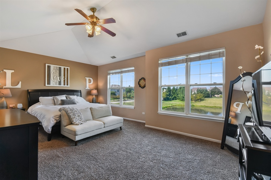 Real Estate Photography - 1820 CHASE Lane, Unit 1820, Aurora, IL, 60502 - Master Bedroom