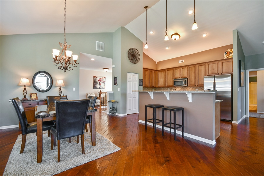 Real Estate Photography - 1820 CHASE Lane, Unit 1820, Aurora, IL, 60502 - Dining Room