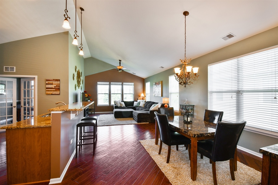 Real Estate Photography - 1820 CHASE Lane, Unit 1820, Aurora, IL, 60502 - Dining Area