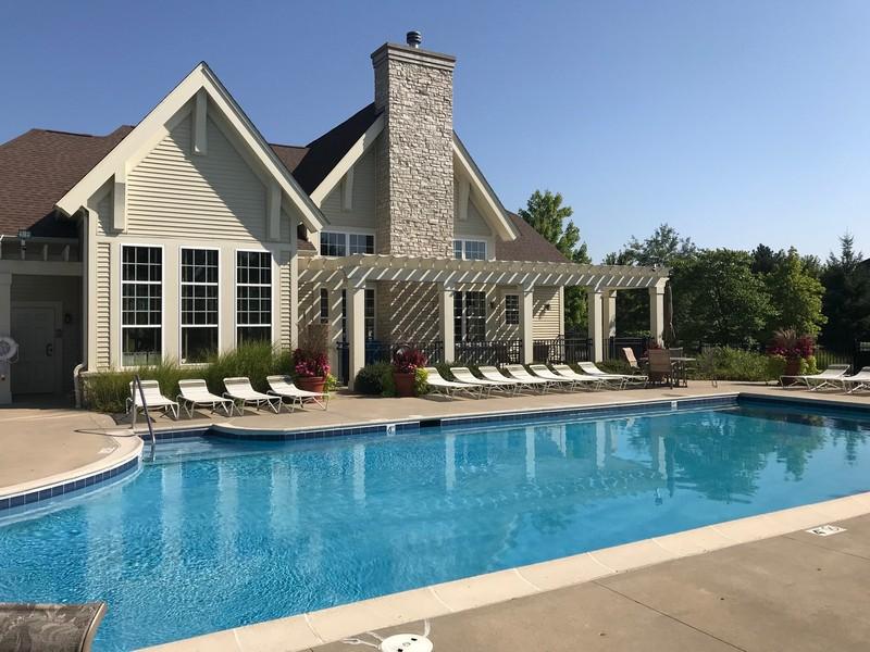 Real Estate Photography - 1820 CHASE Lane, Unit 1820, Aurora, IL, 60502 - Swimming Pool