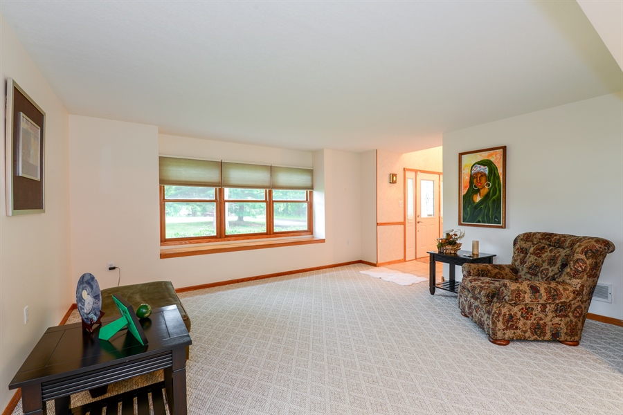 Real Estate Photography - 5695 S. Park Place Drive, Rochelle, IL, 61068 - Living Room