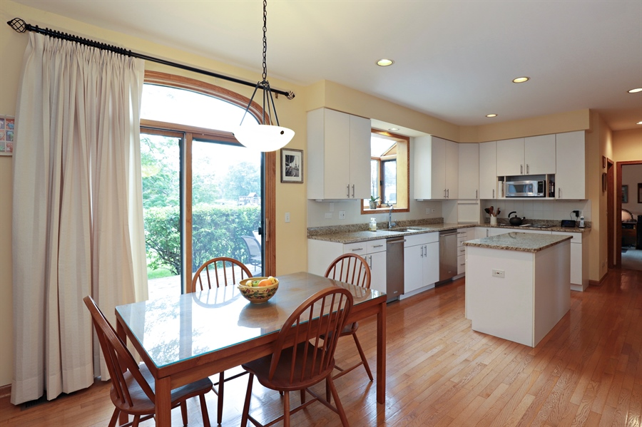 Real Estate Photography - 36473 N. Mill Creek Drive, Gurnee, IL, 60031 - Kitchen / Breakfast Room