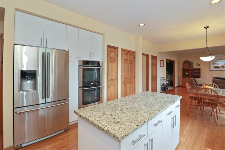 Real Estate Photography - 36473 N. Mill Creek Drive, Gurnee, IL, 60031 - Kitchen
