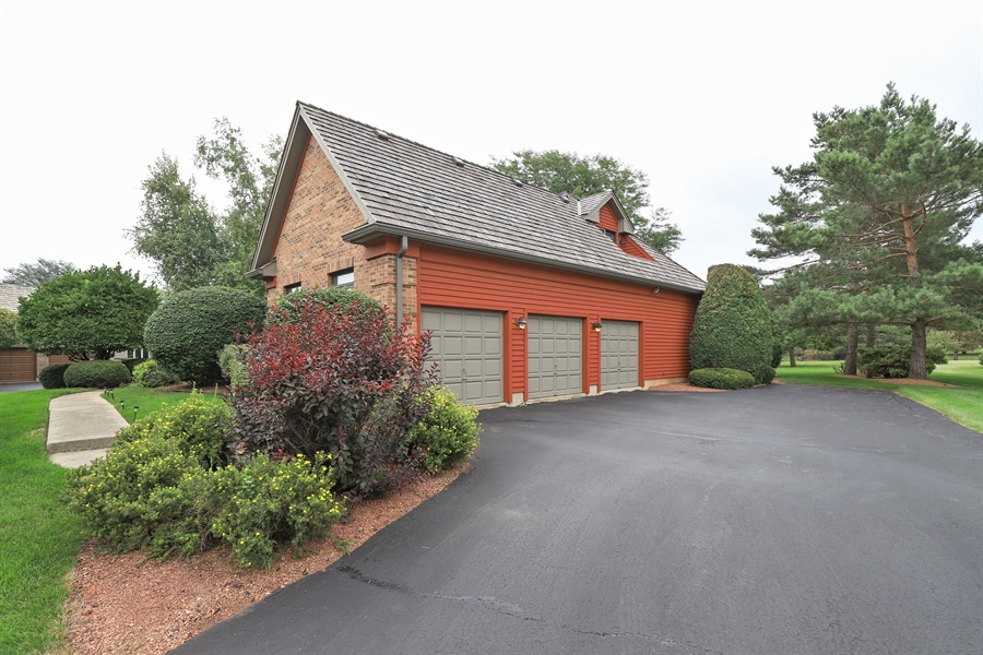 Real Estate Photography - 36473 N. Mill Creek Drive, Gurnee, IL, 60031 - Side View