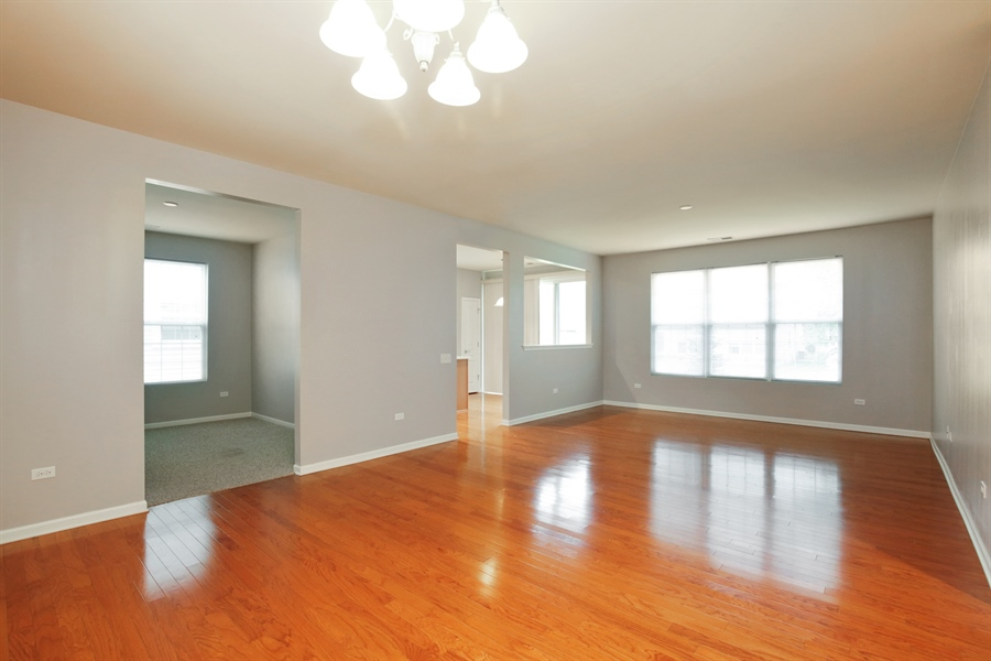 Real Estate Photography - 2839 Edgewater Drive, Elgin, IL, 60124 - LIVING ROOM--Freshly painted!!