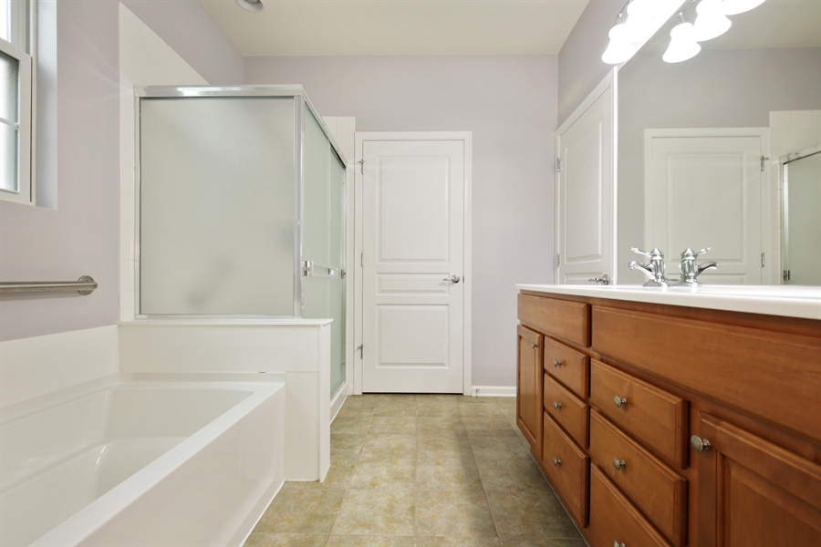 Real Estate Photography - 2839 Edgewater Drive, Elgin, IL, 60124 - MASTER BATHROOM--Separate shower and tub!