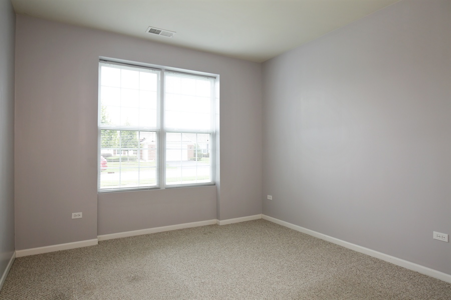 Real Estate Photography - 2839 Edgewater Drive, Elgin, IL, 60124 - 2ND BEDROOM