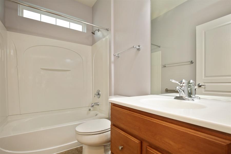 Real Estate Photography - 2839 Edgewater Drive, Elgin, IL, 60124 - BATHROOM
