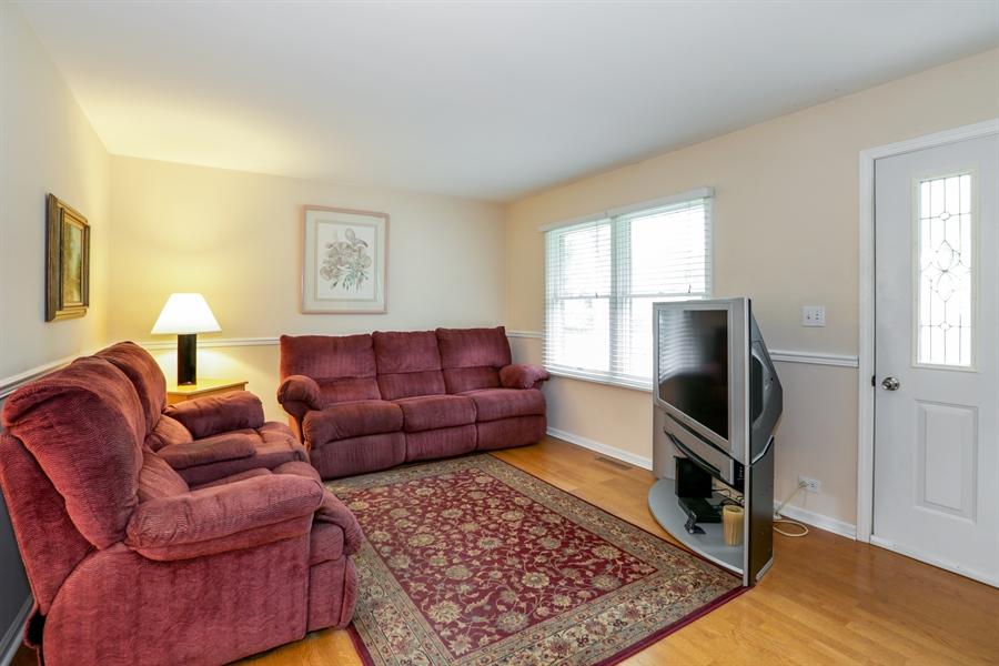 Real Estate Photography - 302 Rosewood Avenue, Buffalo Grove, IL, 60089 - Living Room