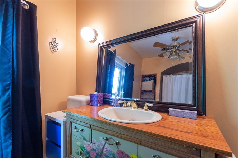 Real Estate Photography - 328 E. 9th Street, Lockport, IL, 60441 - 2nd Bathroom
