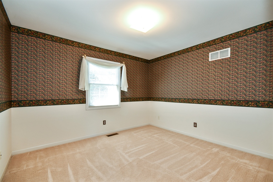 Real Estate Photography - 444 Banbury Avenue, Elburn, IL, 60119 - 2nd Bedroom